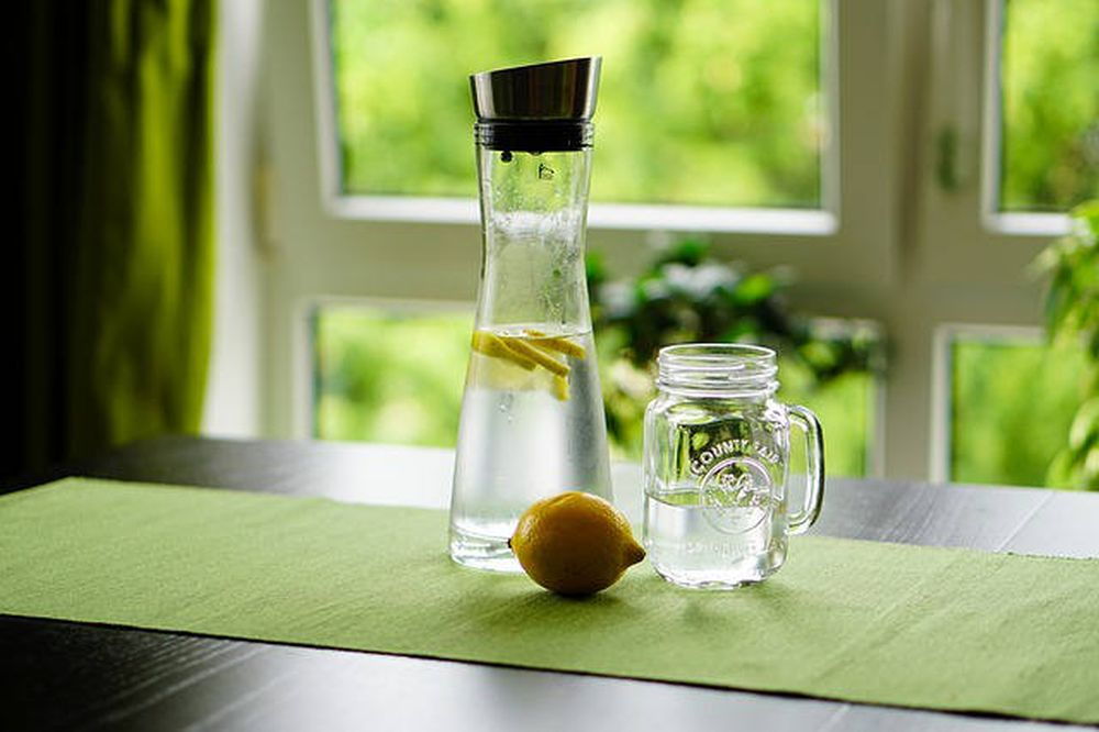 lemon water health benefits digestion