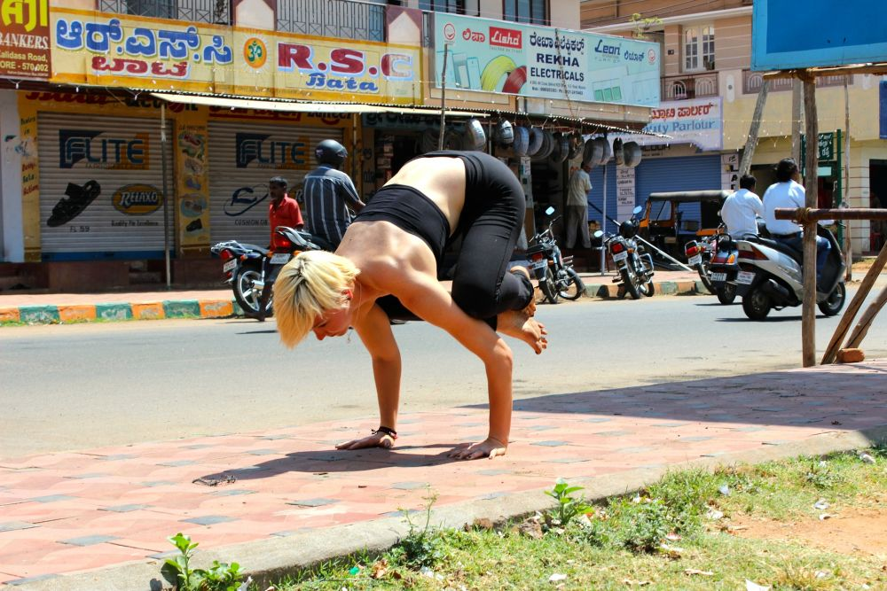 yoga bakasana pose arm strength