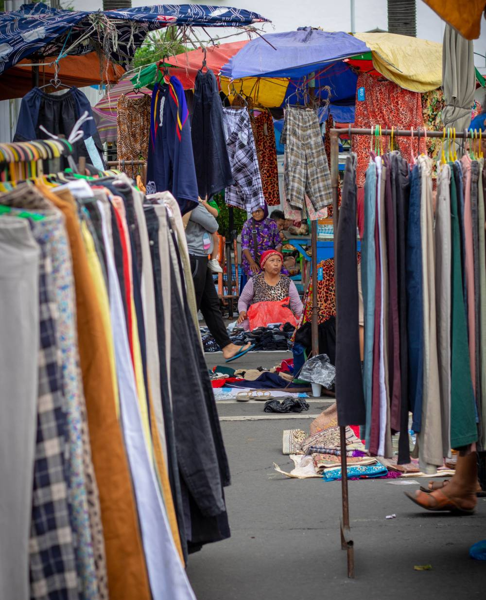 sell clothes market