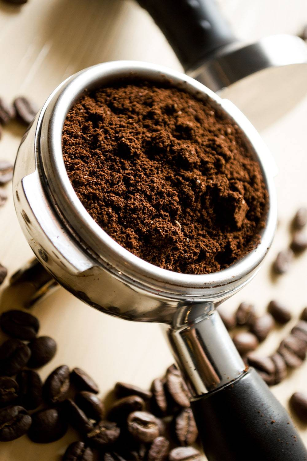 coffee grounds remove detergent stains clothes