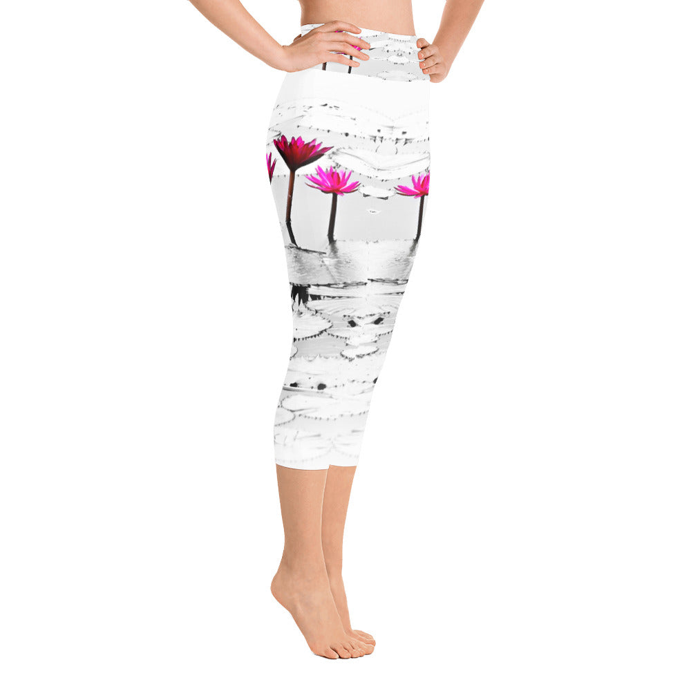 Quiet Lotus Capri Leggings