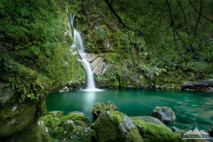 Dorothy Falls - Newzealandscapes photo canvas prints New Zealand
