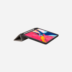 Momax Flip Cover Case with Apple Pencil Holder (iPad Pro 11″ 2018)