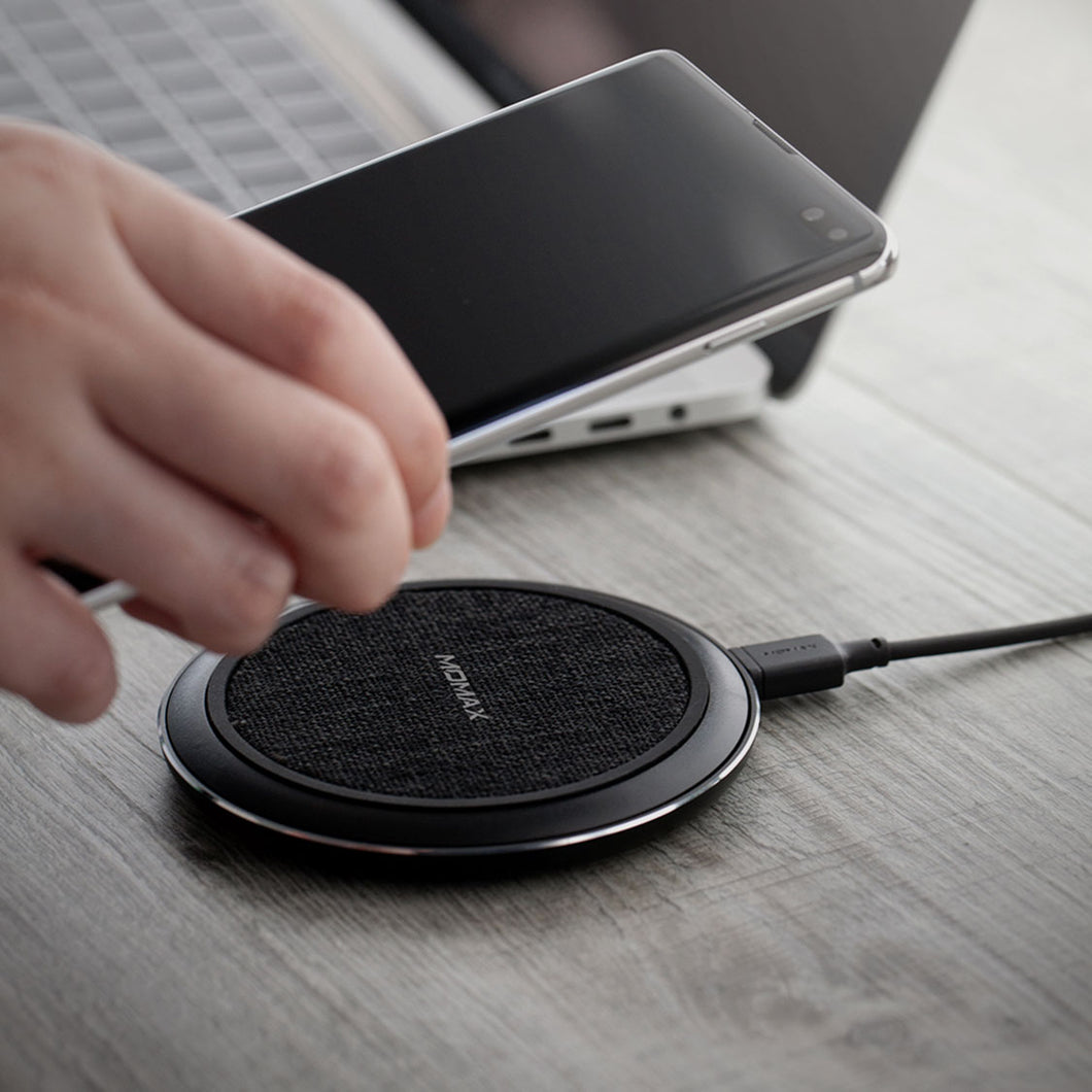 Momax Q. Pad 5 15W Fast Wireless Charger