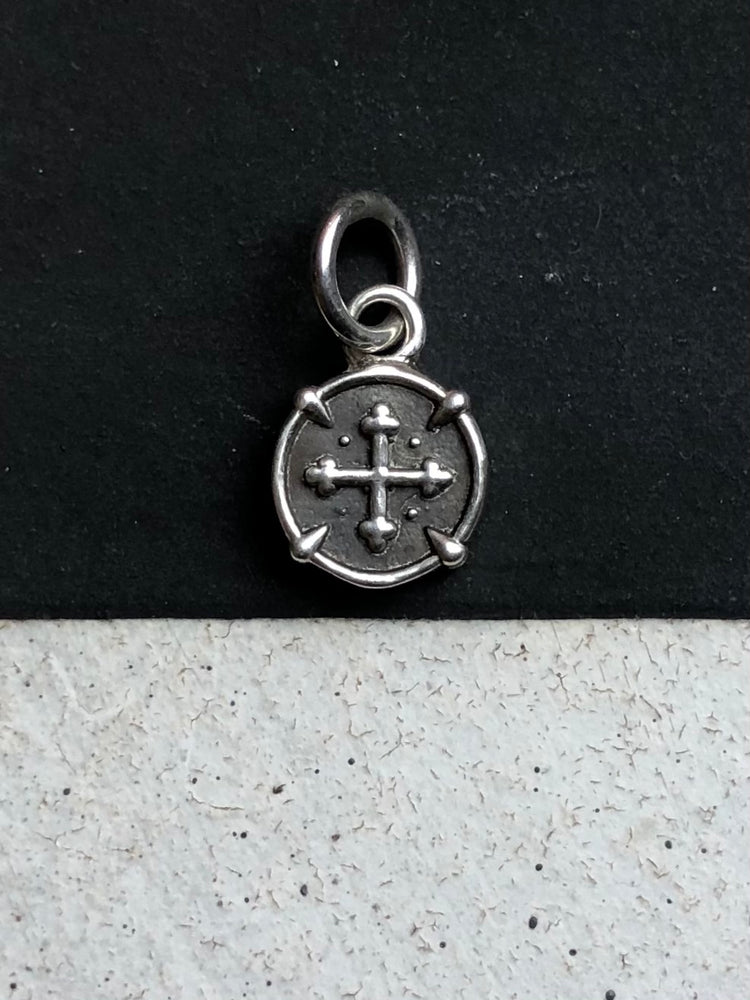 Clawed Coin Charm - ami boutique