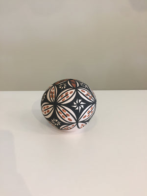 Pottery - Acoma Seed Pot Augustine