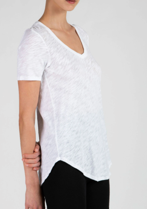 SS V Neck - White - ami boutique