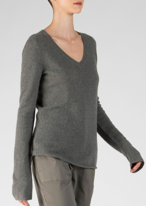 Cashmere V Neck - Safari - ami boutique