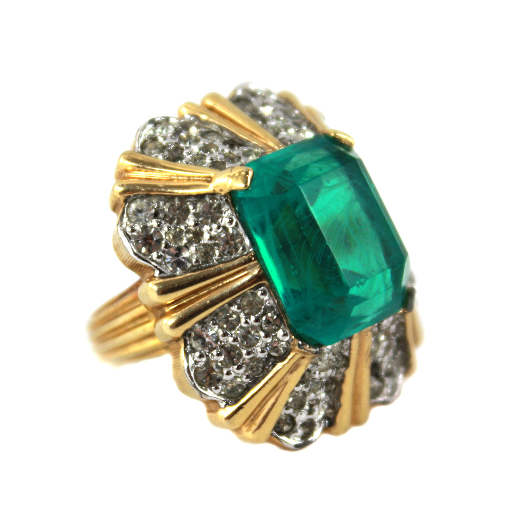 1970S JOMAZ GREEN & DIAMANTE RING