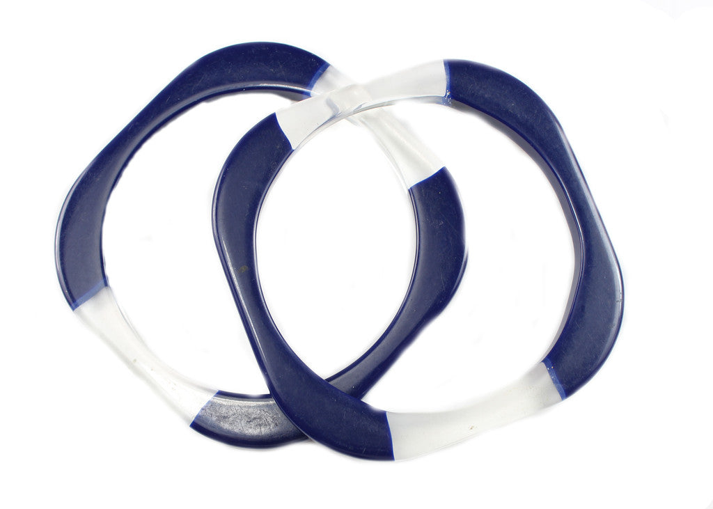 SET OF BLUE AND LUCITE BANGLES