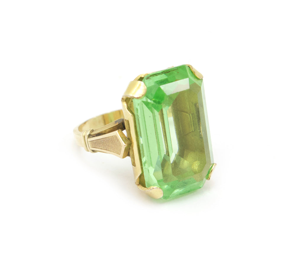 Unsigned green cocktail ring