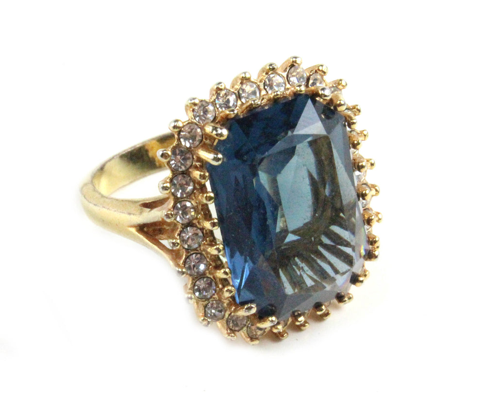 1950'S UNSIGNED BLUE RING