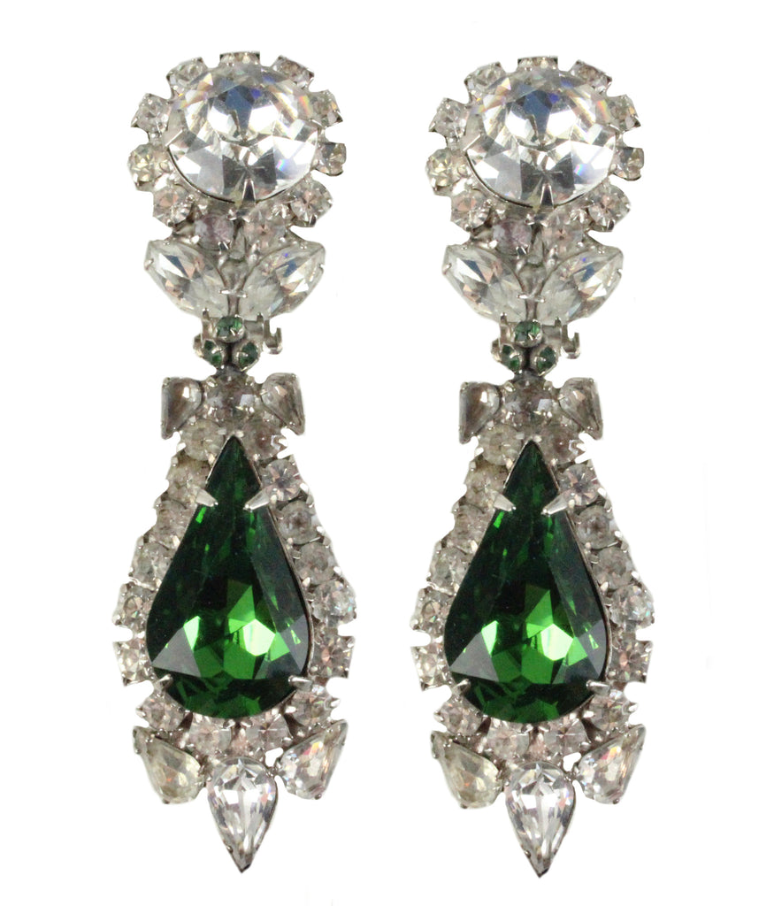 1950'S UNSIGNED EMERALD AND DIAMANTE EARRINGS