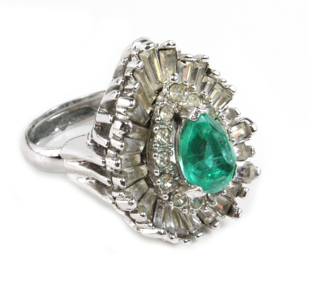 1950S UNSIGNED GREEN RING