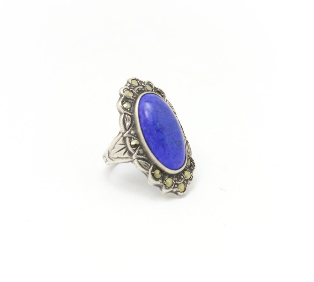 Unsigned silver ring with blue cabochon
