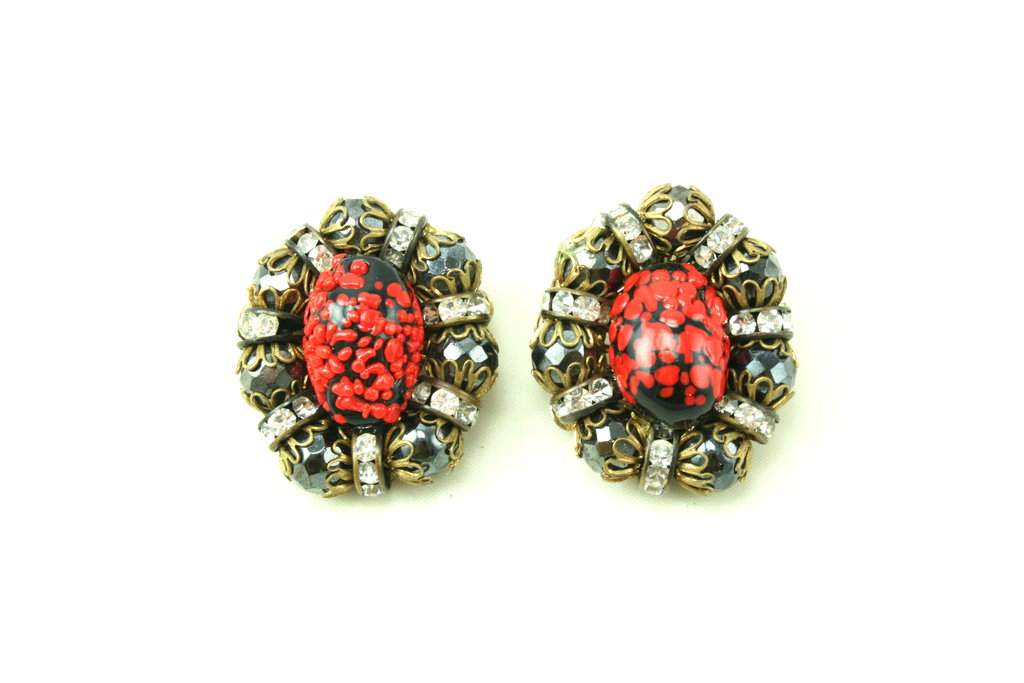 HOBE RED AND BLACK EARRINGS