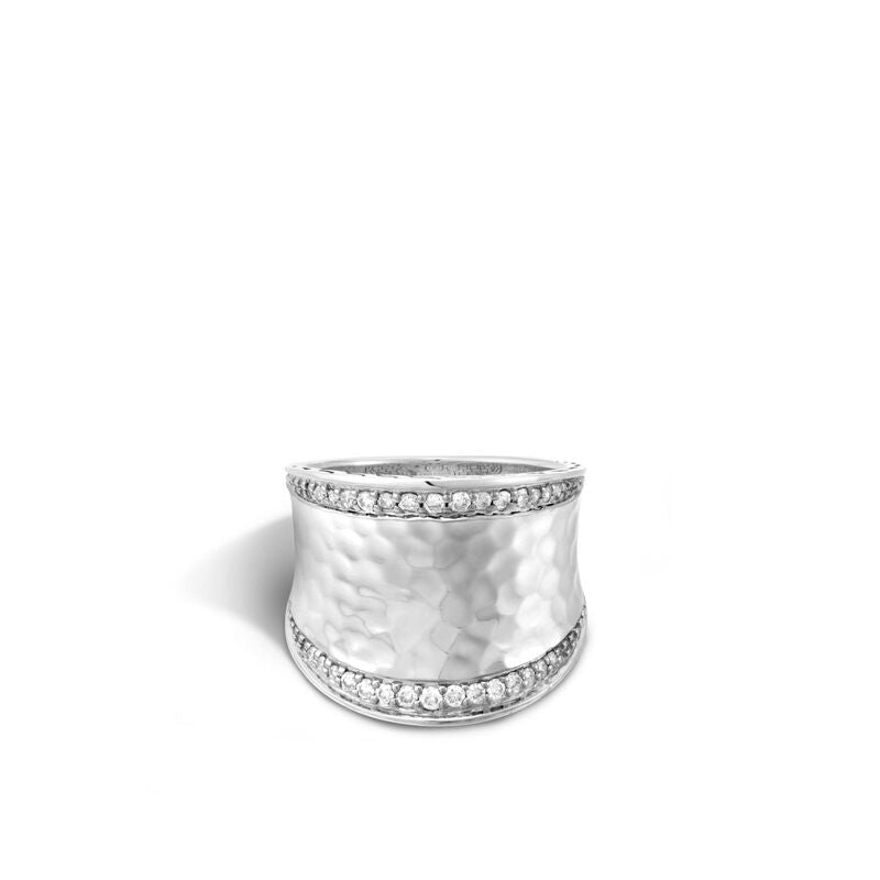 Classic Chain Hammered Saddle Ring with Diamonds