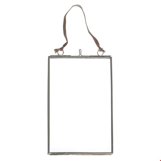 Glass Hanging Frame in Silver 15 x 10 cm