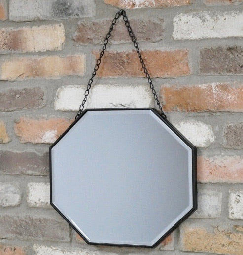 Hexagonal Mirror on Chain