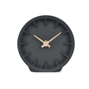 products/normal_raven-desk-clock2.jpg