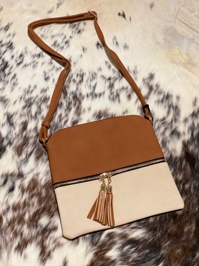 HY2038E (CG/ND) Crossbody Bag with Tassel