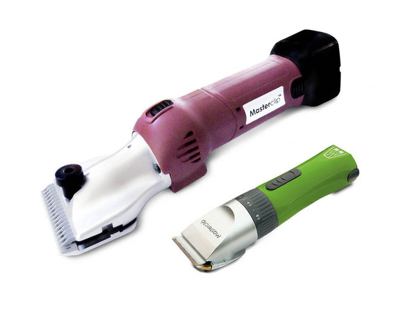 Masterclip Heavy Duty Cordless HD Roamer Horse Clipper with 2 Batteries & Green Showmate Trimmer Combo