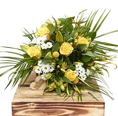 The Flower Rooms HT35-L Lemon and White Hand Tied Bouquet-Large, Mutiple