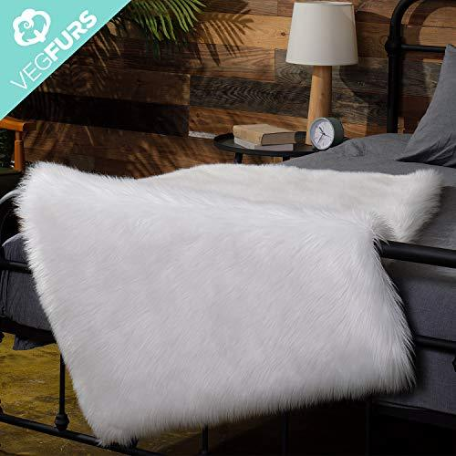 VEGFURS Sheepskin Faux Fur Chair Couch Cover Area Rug For Bedroom Floor Sofa Living Room 3 x 5 Feet Ivory white