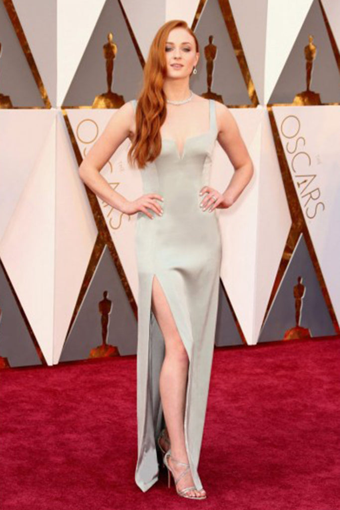Sophie Turner's wears a custom Galvan dress for the Oscars