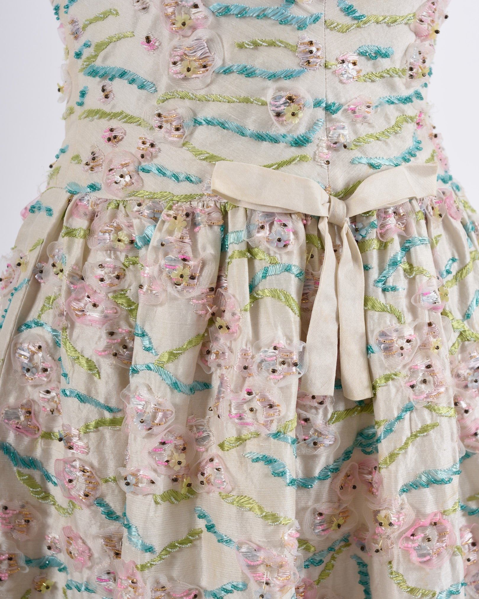 SARTORIA ZECCA 1950s Ivory Floral Embroidered Cocktail Dress