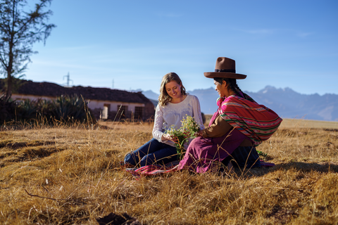 Nicola Connolly in Peru with a grower of Nunaïa