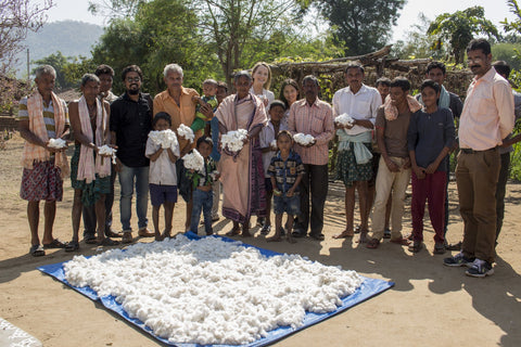 Organic Cotton Farmers with White & Green in Orissa, India.