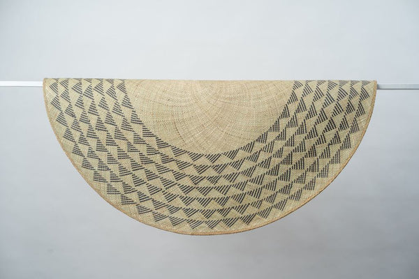 Triangle Mat | 4' Round | Natural Base | Black Triangles
