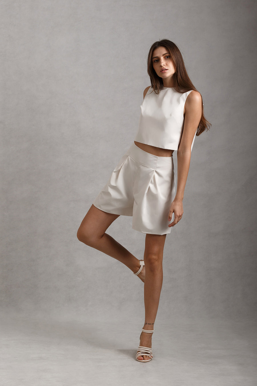 Bow Back Crop Top & High Waist Pleated Flare Shorts Set | White
