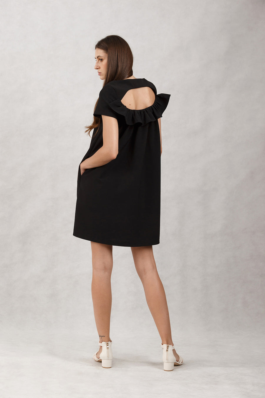 Keyhole Ruffled Back Mini | Black
