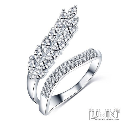 Lumini Diamos AD: Fishtail American Diamond Platinum Ring