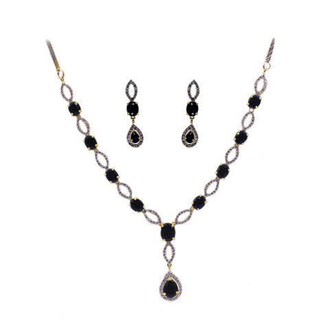 Necklace and Earrings Set: Sapphire Solitaire
