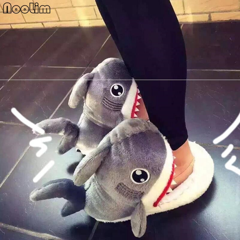 Fuzzy Shark Slippers-WWW.NOVELTYHOMEONLINE.COM