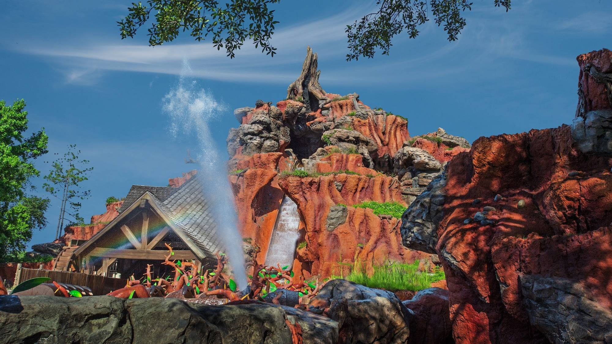 Splash Mountain Ride Vehicle Sinks at Magic Kingdom With Guests Aboard