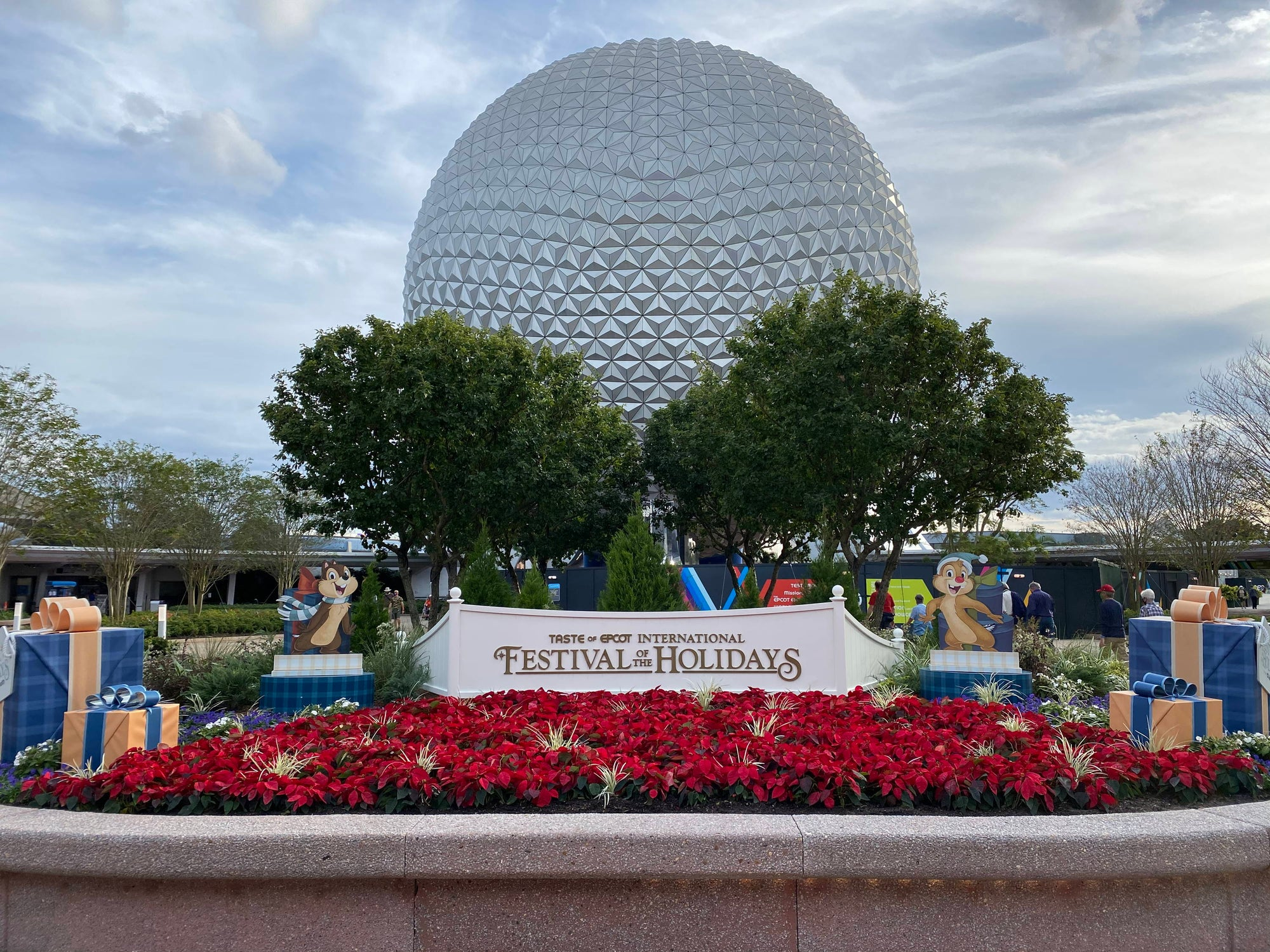 EPCOT Festival of the Holidays 2020 Review Part 1 (Food Booths, Cavalcades, Decor, ETC.)