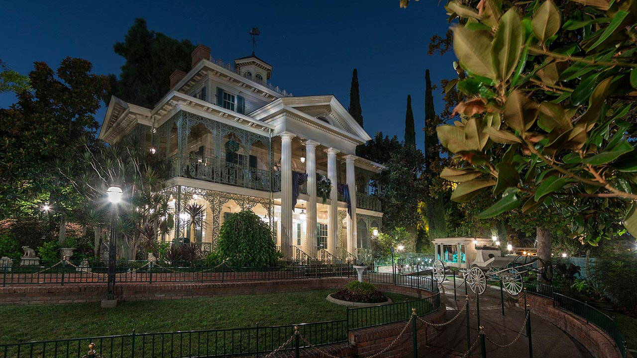 Every Haunted Mansion in the World, Ranked