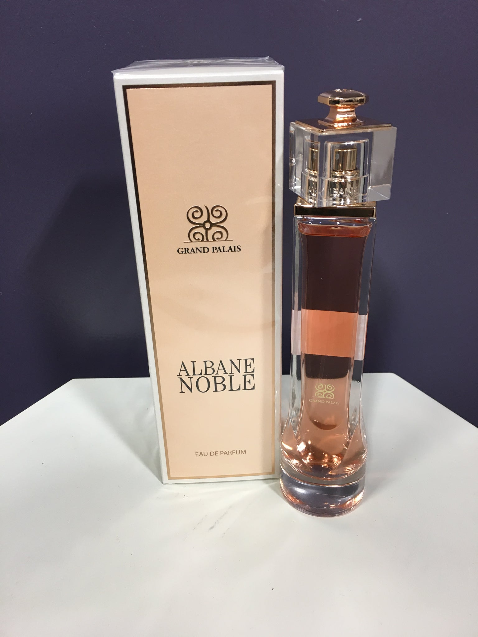 Womens Albane Noble Perfume