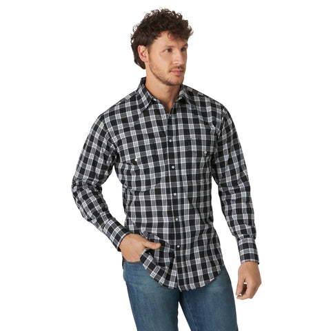 Men's Wrangler® Wrinkle Resist Long Sleeve Shirt- Black