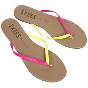 Leather flip flops in sizes 7,8,9