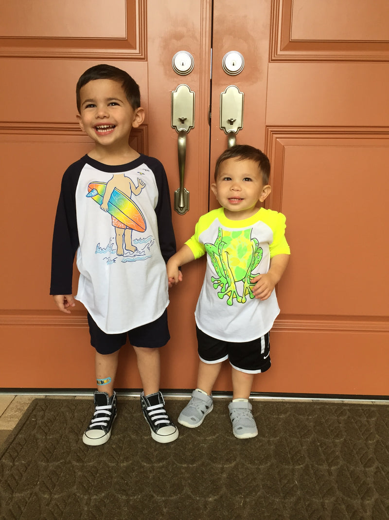 Peek -A-Zoo 3/4 Frog Raglan in White/Neon Green