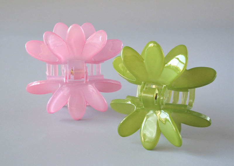 French Atelier Waterlily Clip