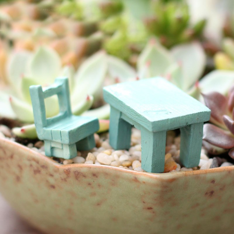 XBJ005 Mini 1pc Landscape Plant Miniatures Decors Fairy Resin Garden Ornaments Cute Tables Chairs Furniture Figurine Crafts