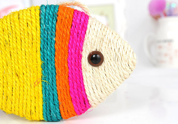 Fish shaped sisal cat scratch board plate cat toy grinding claw board simulation fish Scratching Post For Kitten Cat Scratcher