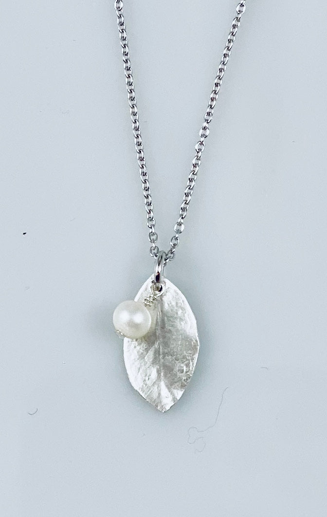 FIVE ISLAND STUDIO - Fine Silver Blueberry Leaf Pendant with Pearl