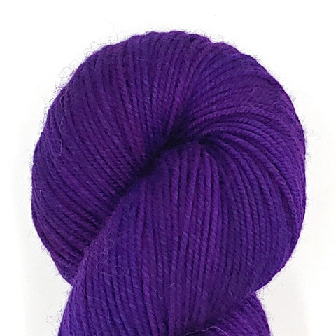 Huckleberry Color; <br>Tahoma Yarn;<br>DK-Weight;<br>100 % SW Merino